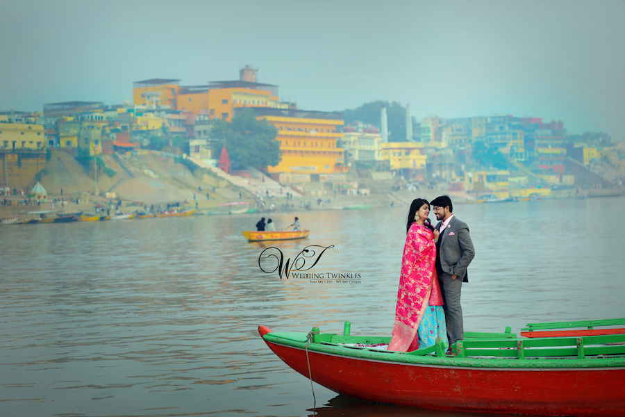 pre wedding photo shoot  banaras ghats
