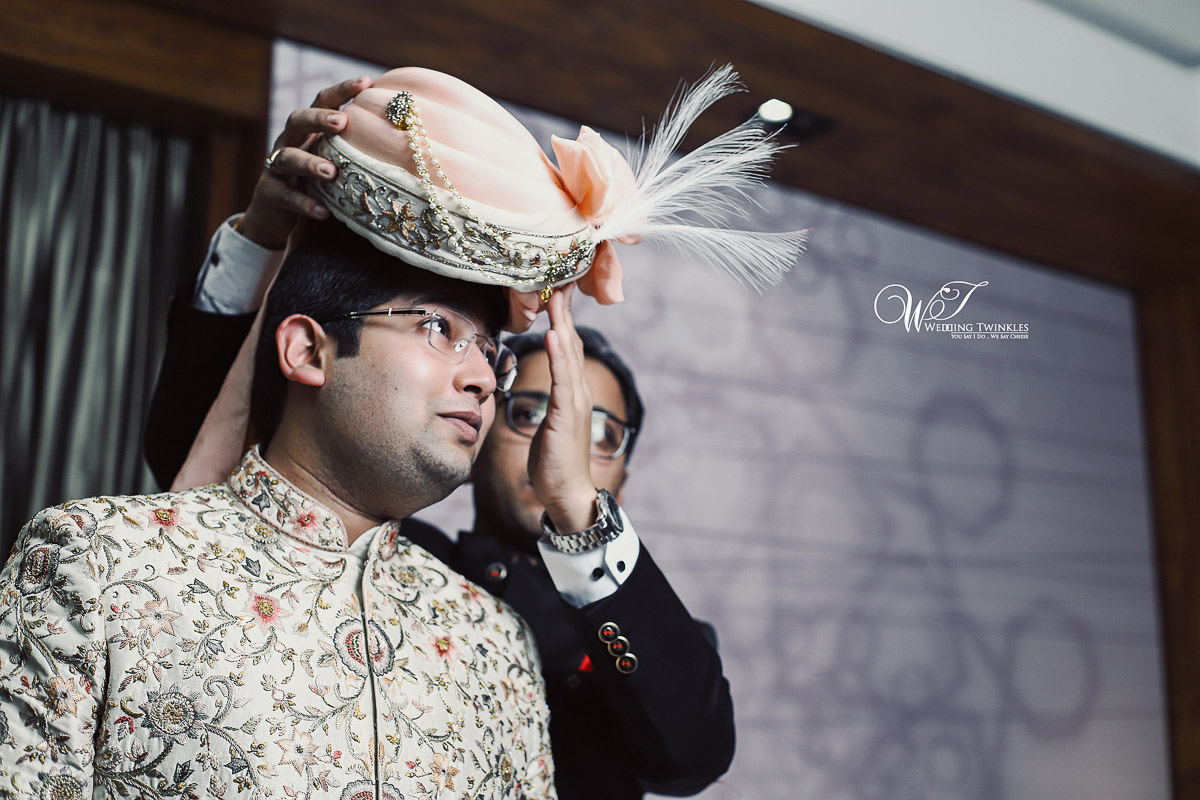 groom candid photography